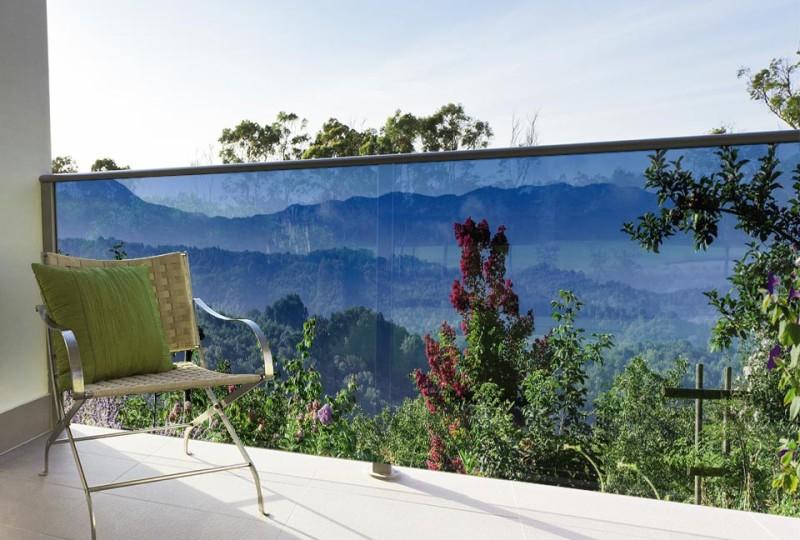 Installation du brise vue sur un balcon