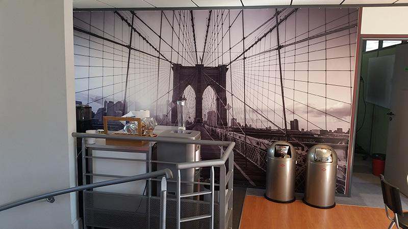 Déco le long des cables du pont de Brooklyn
