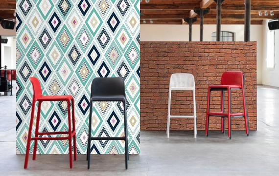 Décoration restaurant-bar murale et mobilier