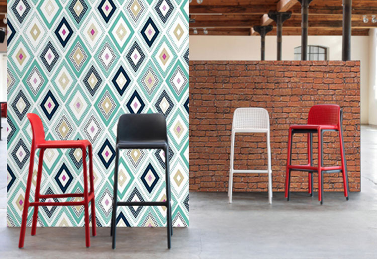 Mobilier design sledge et d co d 39 un restaurant chic avec scenolia for Deco mobilier design